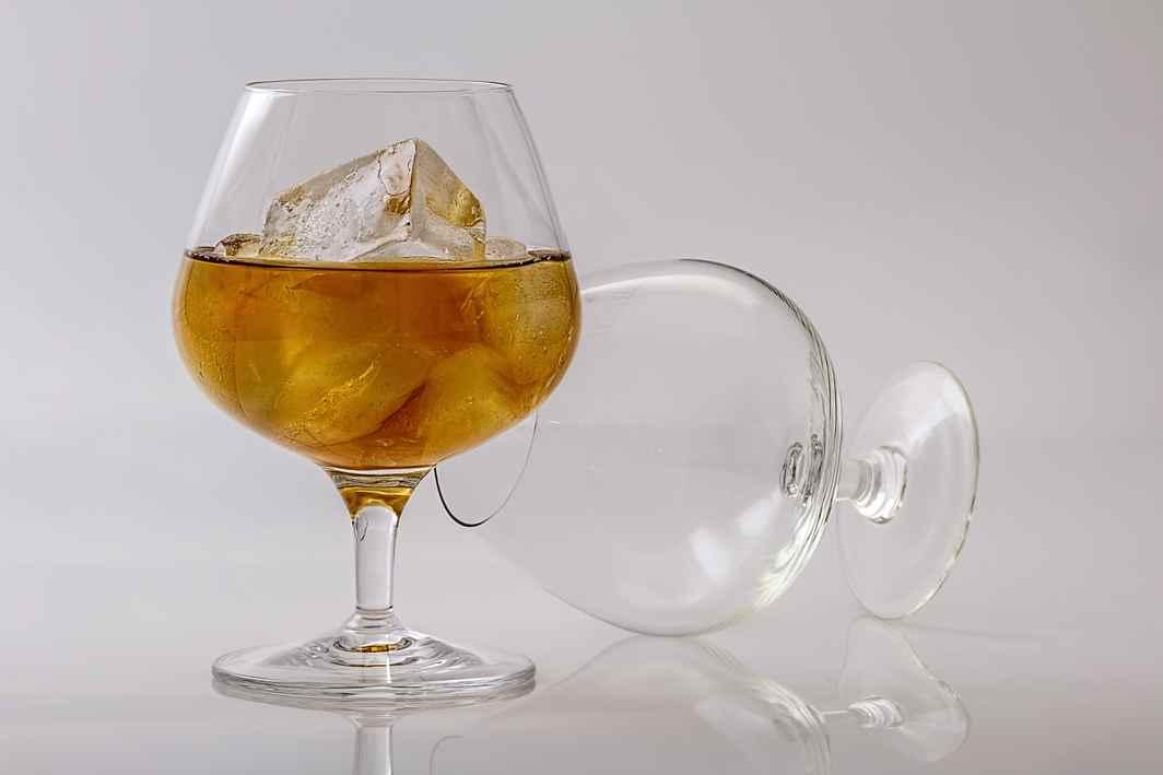 Arunachal, Andaman off liquor ban
