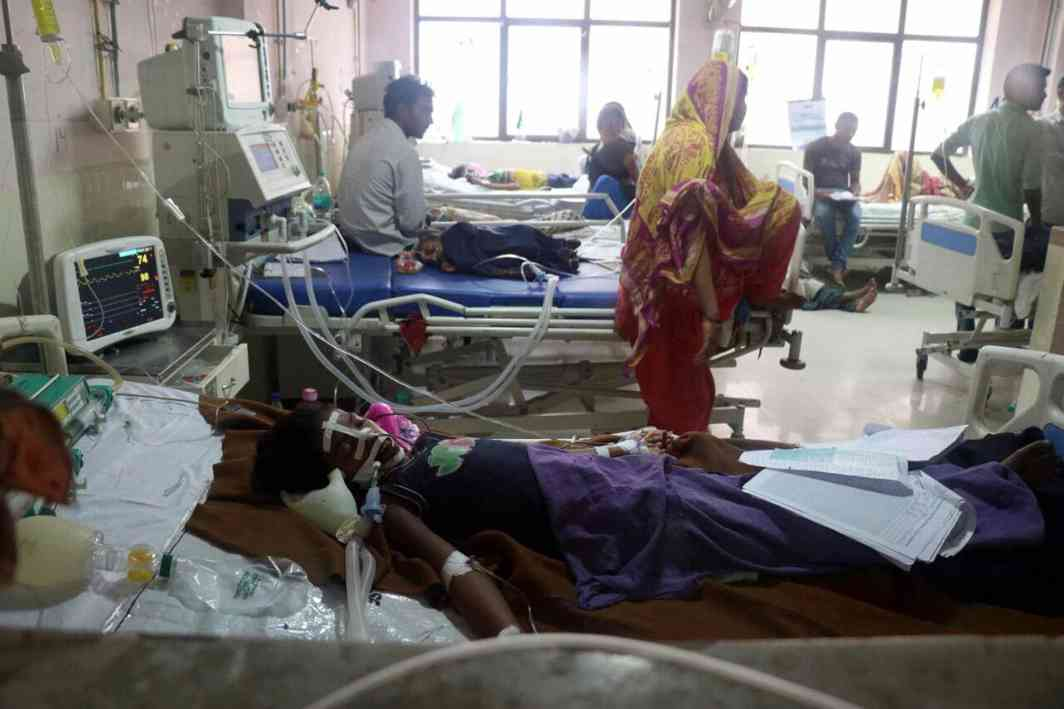 Patients in Baba Raghav Das Medical College Hospital in Gorakhpur (file picture). Photo: UNI