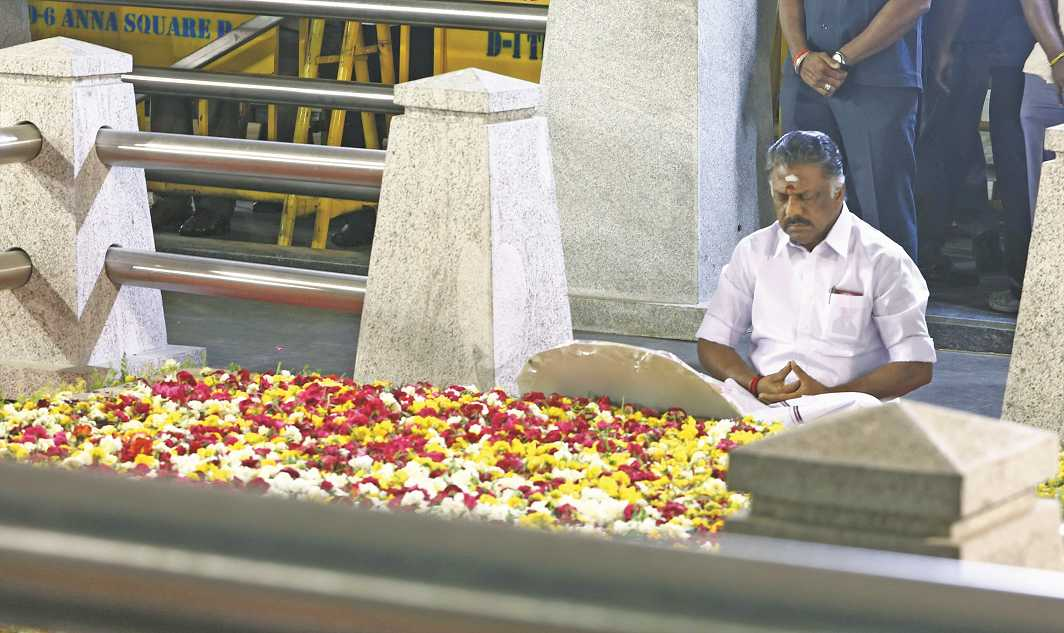O Panneerselvam, who took over as CM briefly, at the late party leader J Jayalalithaa's Samadhi
