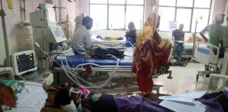 Patients at Baba Raghav Das Medical College Hospital in Gorakhpur (file picture).Photo: UNI