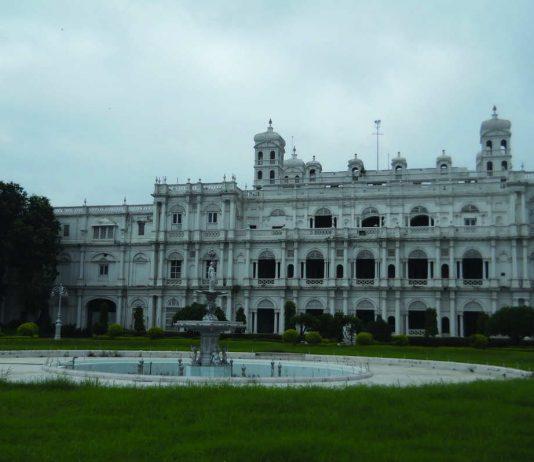The sprawling Jai Vilas Palace that is under dispute. Photo: Mohitkjain123/Wikimedia
