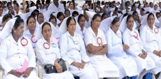 Nurses observing fast in support of their demands. Photo: UNI