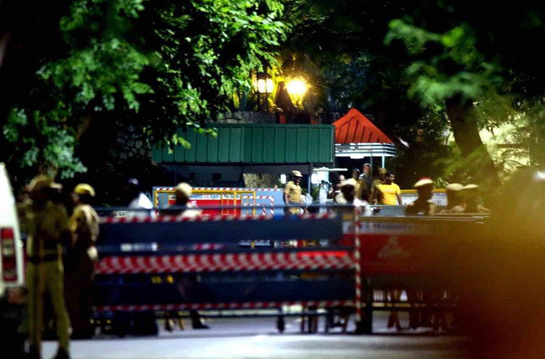 IT raids at Poes Garden. Photo courtesy: APN