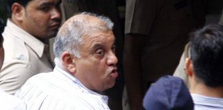 Former media baron Peter Mukerjea accused of Sheena Bora murder case being produced at the Esplanade Court in Mumbai (file photo). Photo: UNI