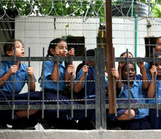 Pay your teachers, Delhi High Court to corporation