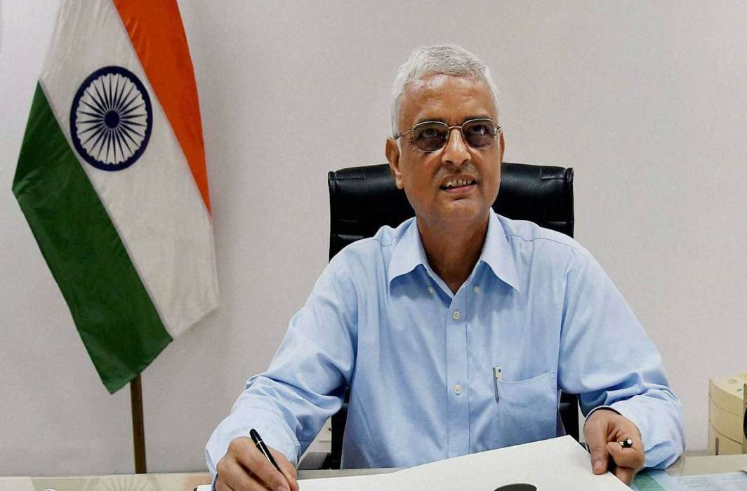 EC suggests 5 amendments to Constitution for simultaneous polls