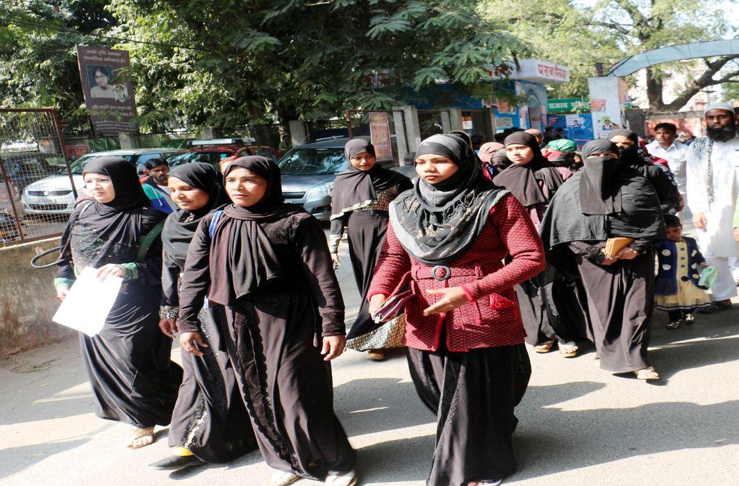 Muslim women in a district court/Photo: UNI