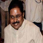 "Delhi HC directs EC to allot ""pressure cooker"" symbol to TTV Dhinakaran"