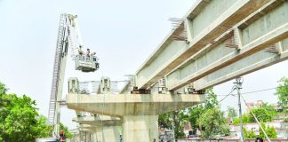 Two beams of an under-construction flyover in Varanasi Cantonment area collapsed recently/Photo Courtesy: zeenews.india.com
