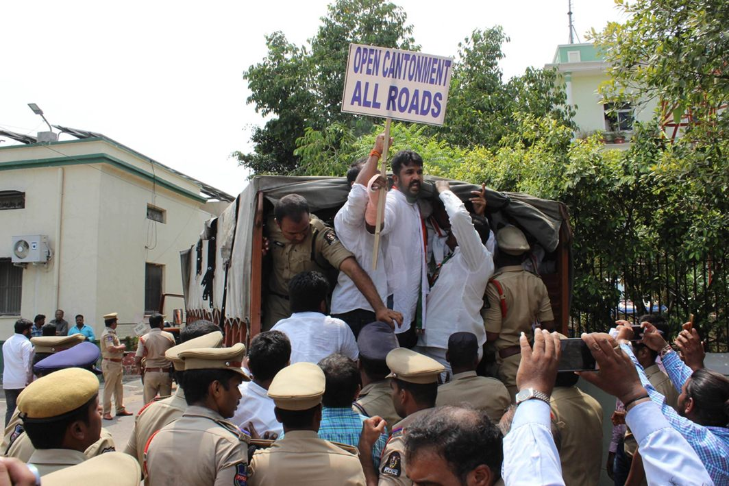 Police arrest Congress activists demanding opening of roads passing through the cantonment area in Secunderabad/Photo: UNI
