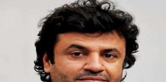 Director Vikas Bahl files Rs 10 cr defamation suit against ex partners