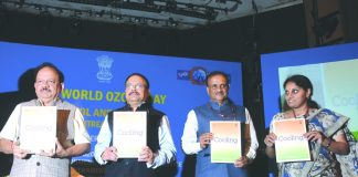 Environment Minister Harsh Vardhan (far left) releasing the draft India Cooling Action Plan/Photo: ozonecell.in