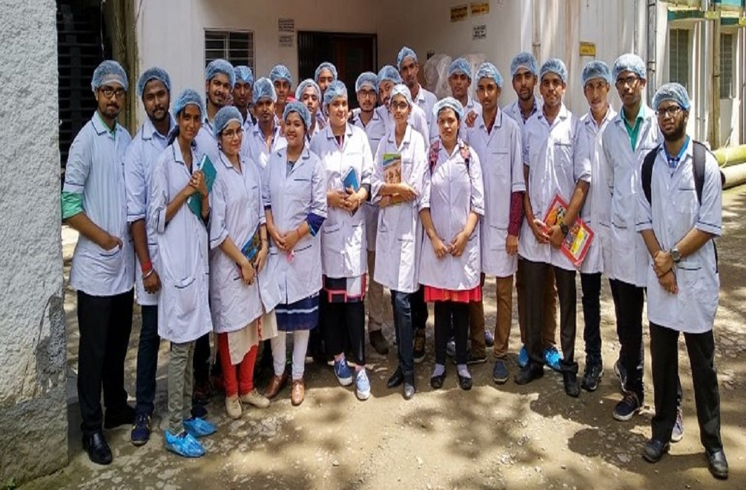 """Pharm D candidates at the Guru Nanak Institute of Pharmaceutical Science & Technology, Kolkata; they can prefix """"Dr""""/Photo: gnipst-pc.ac.in"""
