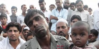 Victims of the Muzaffarnagar riots who fled to Loni and areas bordering Delhi/Photo Courtesy: YouTube