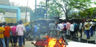 Furniture and other property torched during a mob attack on a hospital in Siwan/Photo: UNI