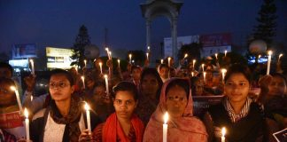 A candlelight march on Human Rights Day in Patna/Photo: UNI