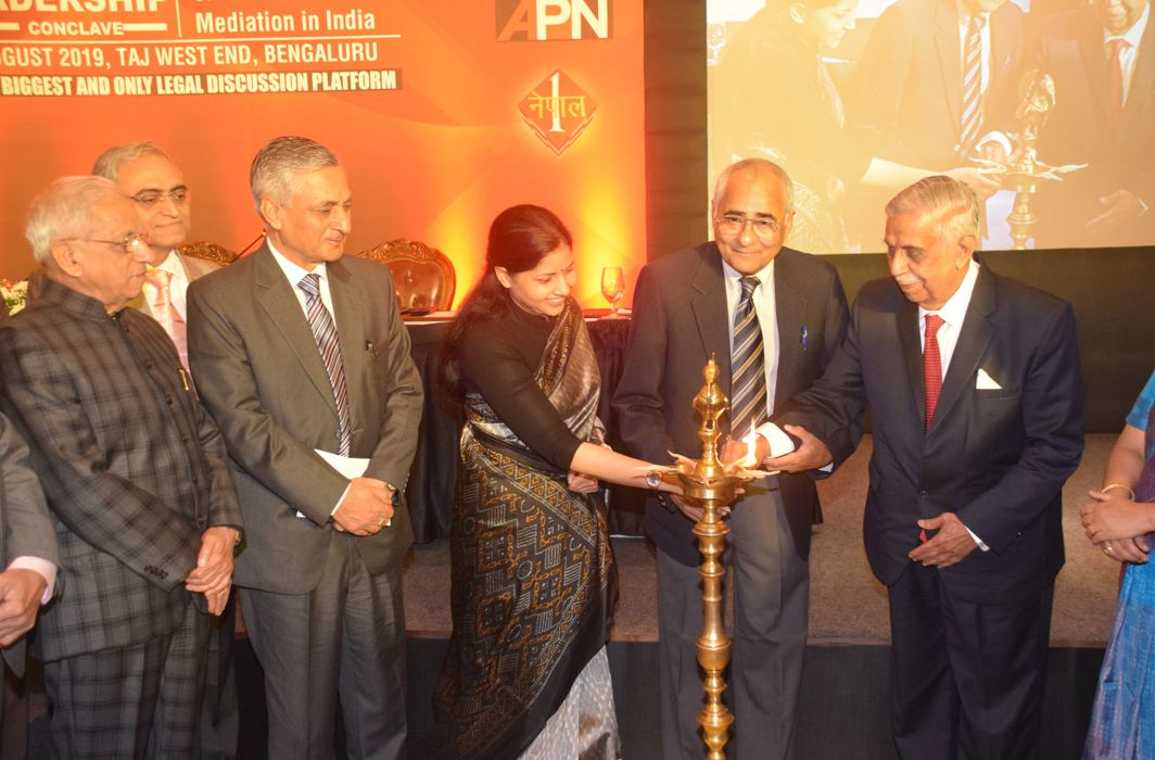 (From left) Justice Shivraj V Patil, former judge, SC; PK Malhotra, former law secretary; Justice TS Thakur, former chief justice of India; Rajshri Rai, editor-in-chief, APN; Inderjit Badhwar, editor-in-chief, India Legal; and Justice MN Venkatachaliah, former chief justice of India, at the lamp lighting ceremony of the Legal Leadership Conclave