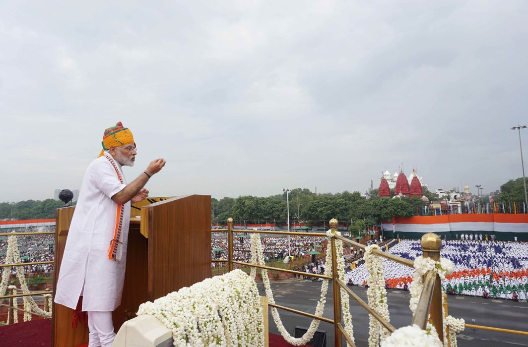 Prime Minister Narendra Modi addressing the nation from the rampart of the Red Fort on the occasion of 73rd Independence Day, in New Delhi/Photo: UNI