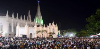 People at midnight mass on Christmas Eve at Santhome Church in Chennai/Photo: UNI