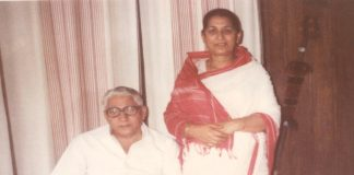 Saraswati Thakur with her husband DD Thakur (file picture)