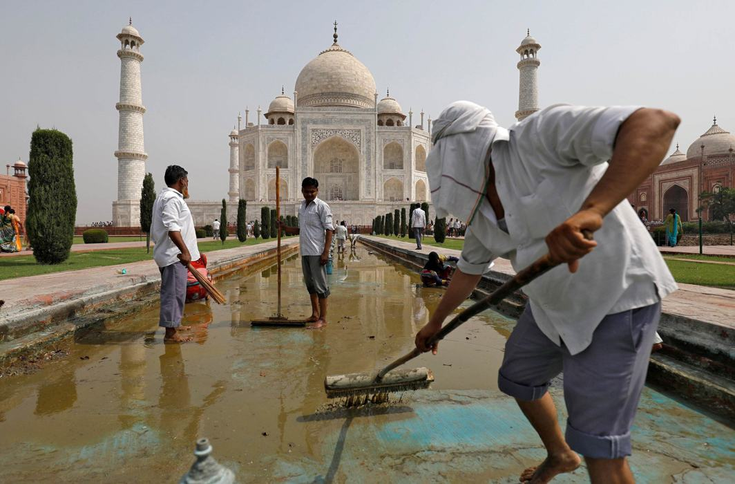 Taj-Mahal-Agra-UNI-2