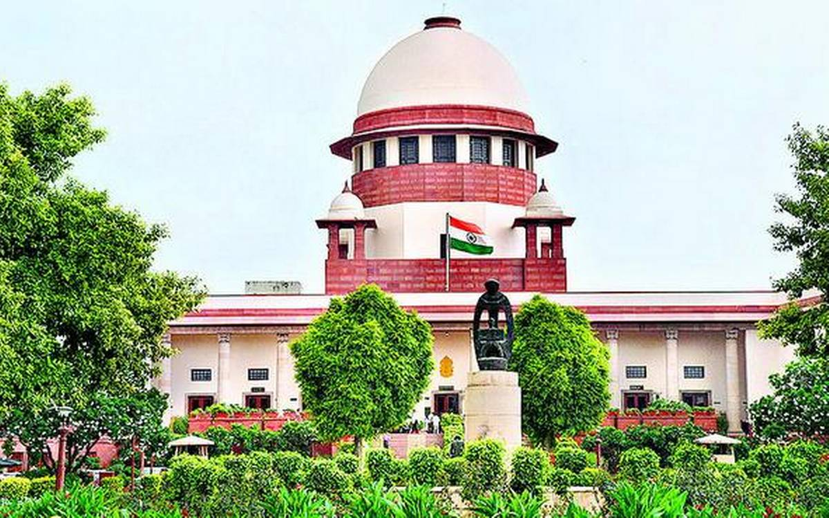 The dilly-dallying habit of the babudom has led the State government to shell out a fine of Rs 50,000 in the Supreme Court.