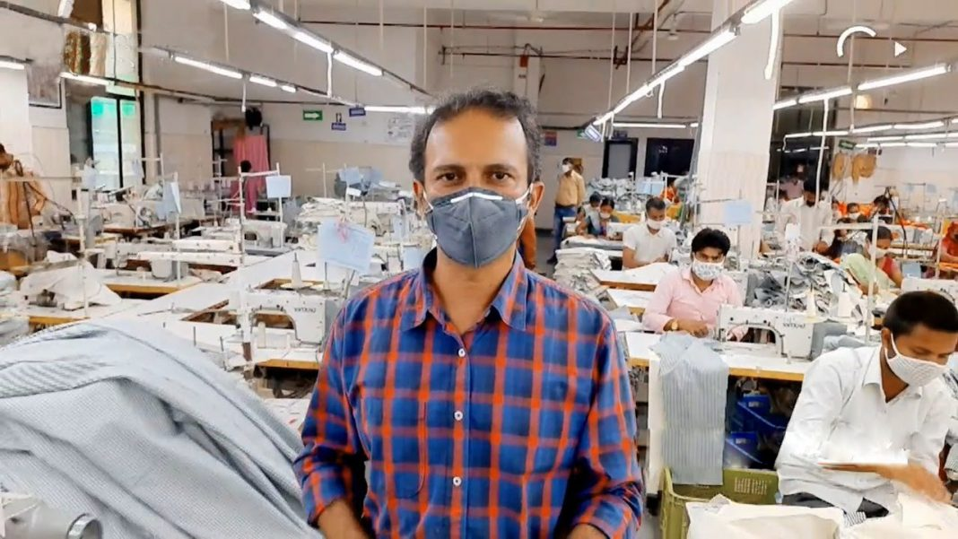 Factory-workers-in-Gurugram-Haryana