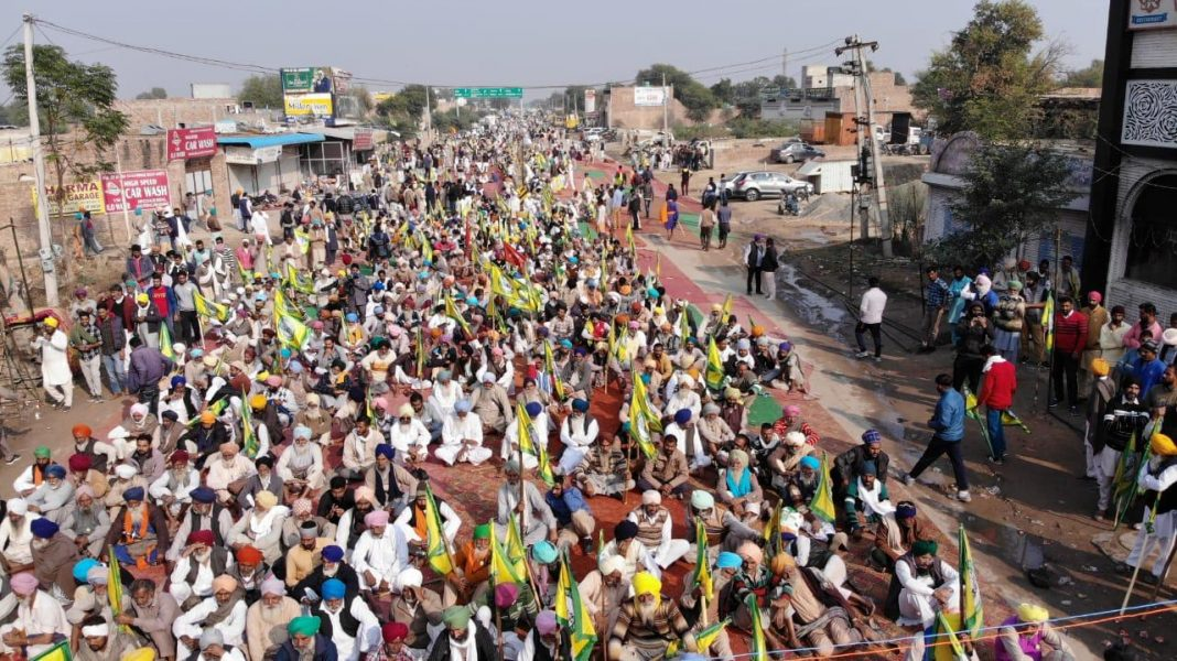 Indian farmers continue anti-farm bills protests