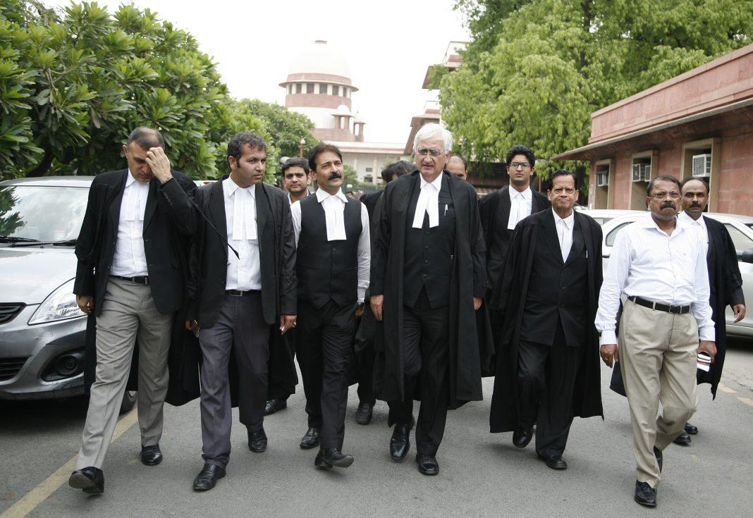 Lawyers-at-SC-_-by-anil-shakya