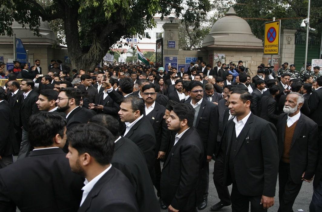 lawyers-in-patiala-house-Court_photo-by-anil-shakya-5-min