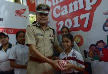 SAFETY LESSONS FOR YOUNG: Delhi Police Commissioner Amulya Kumar Patnaik presents gifts to children during inauguration of the third edition of Road Safety Summer Camp 2017 organised by Honda and Delhi Traffic Police in New Delhi, UNI