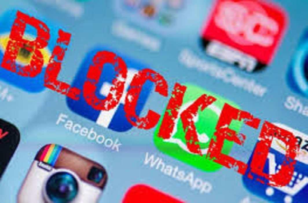Social media back in Kashmir