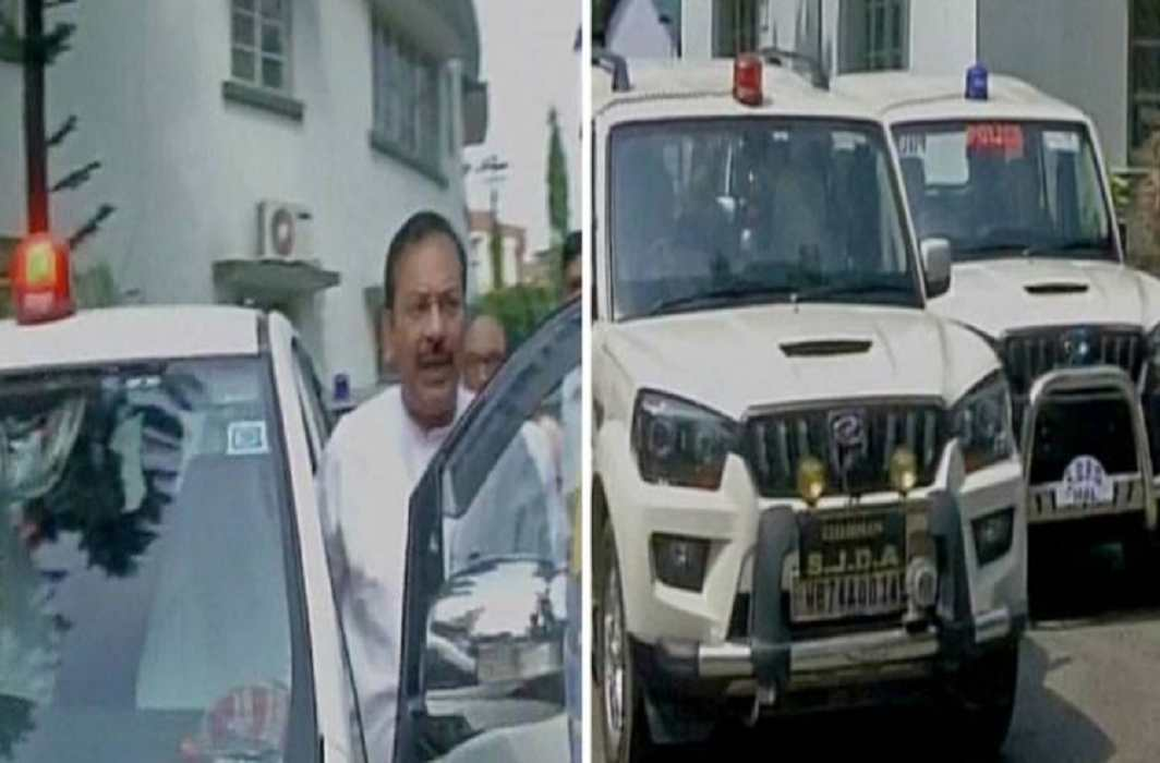 Bengal minister defies red beacon ban