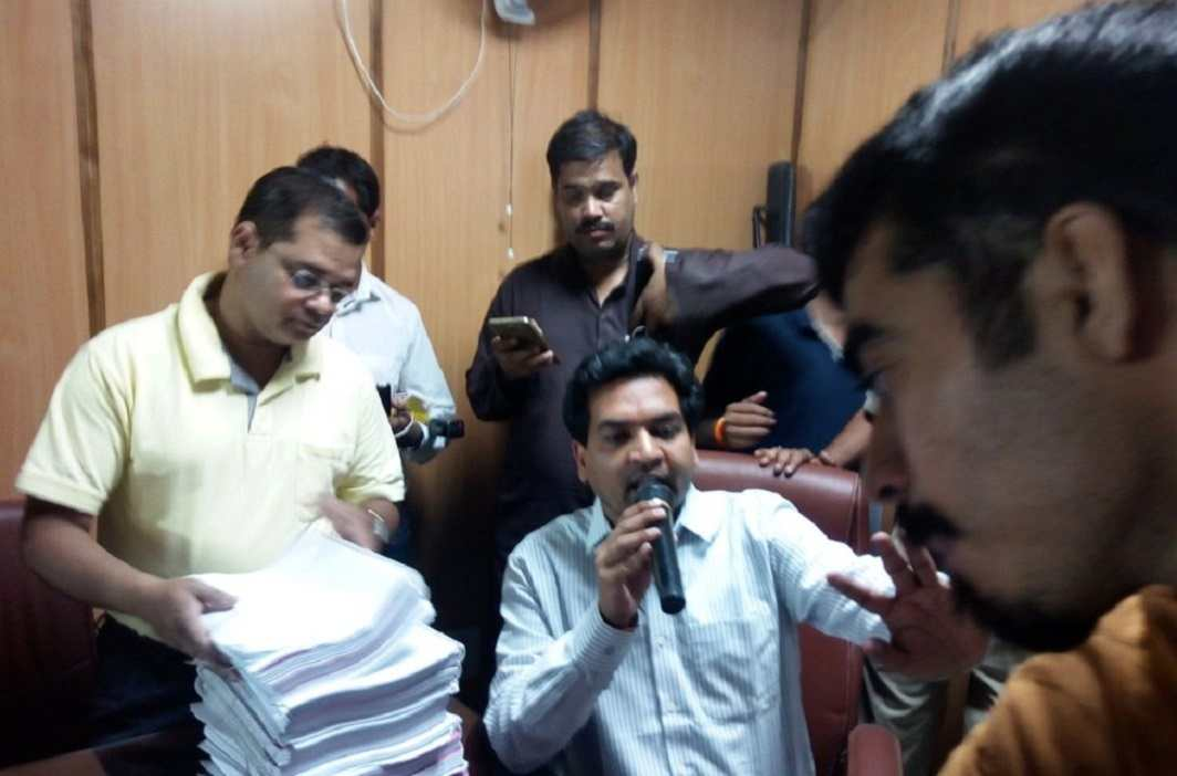 Kapil Mishra faints on Day 5 of hunger stir, levels more charges against Kejriwal