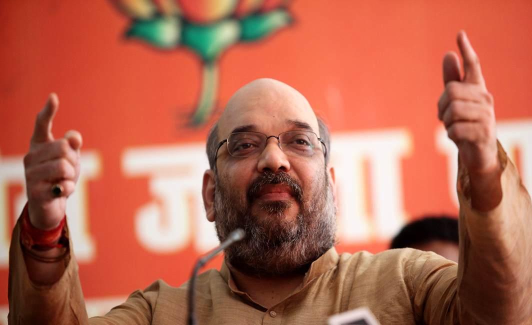 Rahul Gandhi visits Gorakhpur, CM Adityanath targets him and blames previous govts for deaths