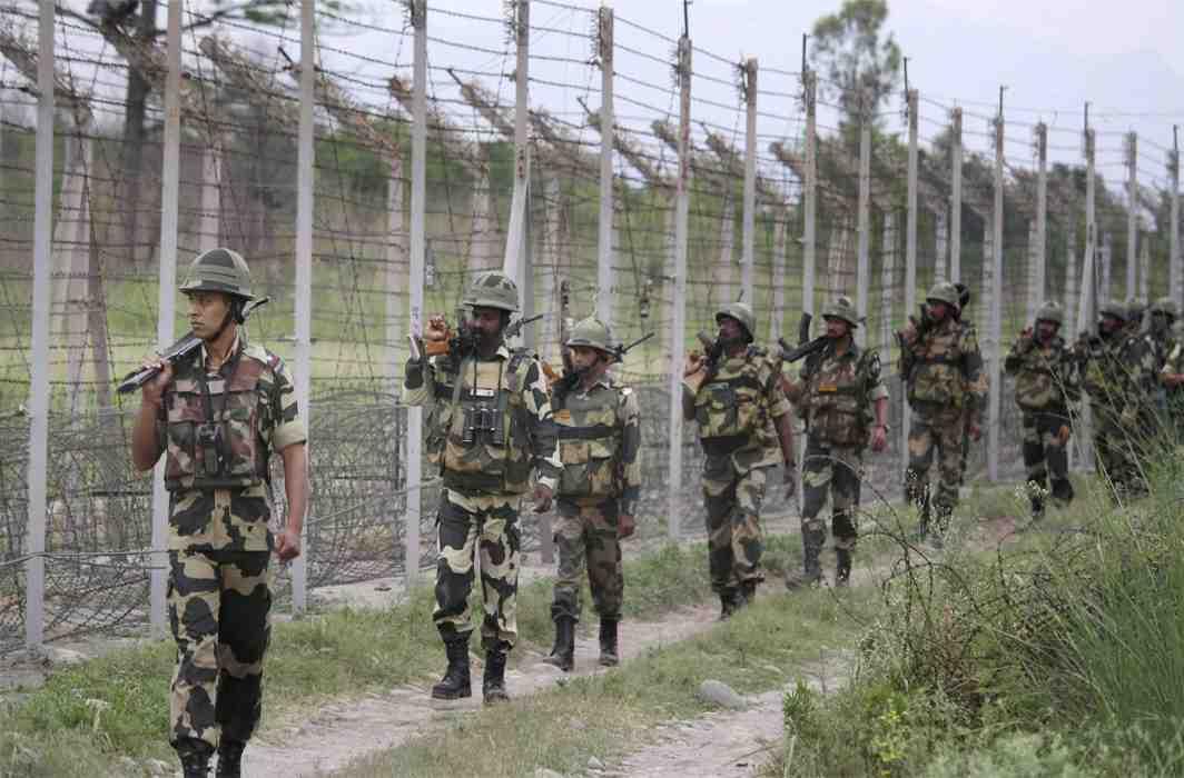 Pak violates ceasefire again, BSF jawan killed in Arnia