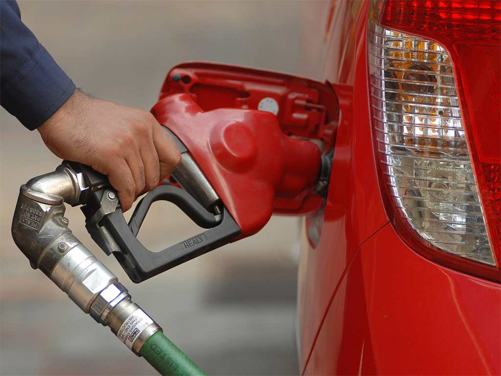 Floods bring down India's fuel demand to 14-year low