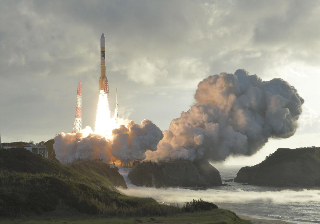 BLAST OFF: An H-2A rocket carrying Japan's fourth and final quasi-zenith satellite, the Michibiki No. 4, lifts off from the Tanegashima Space Center in Kagoshima Prefecture, southwestern Japan, Kyodo/Reuters/UNI