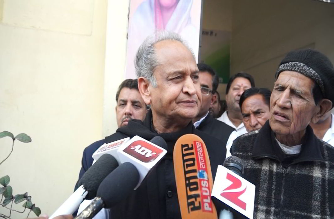 Gehlot says BJP snooping on its leaders as channels air footage of Hardik Patel in Guj hotel