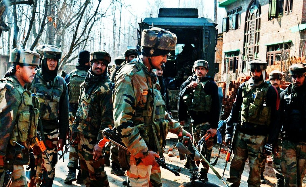 Police Constable Killed, Two Terrorists Gunned down in an encounter in Kashmir