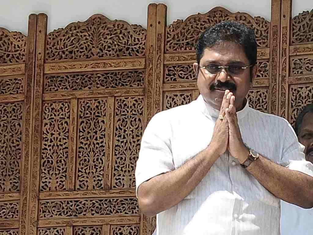 Setback for Dhinakaran as SC refuses to grant time for filing claim to AIADMK poll symbol