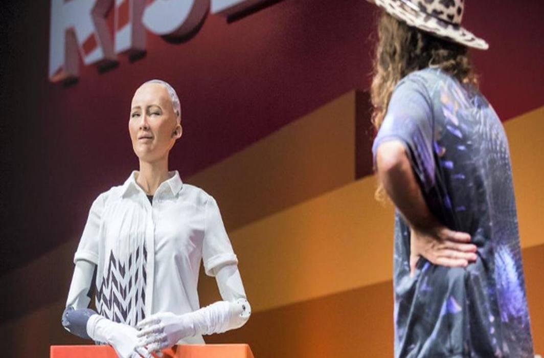 Saudi Arabia grants citizenship to humanoid robot