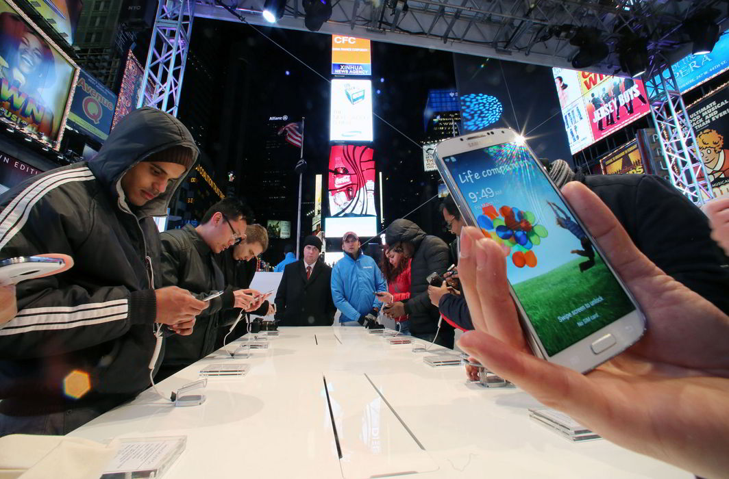 India beats US to become second largest smartphone market; China still at top