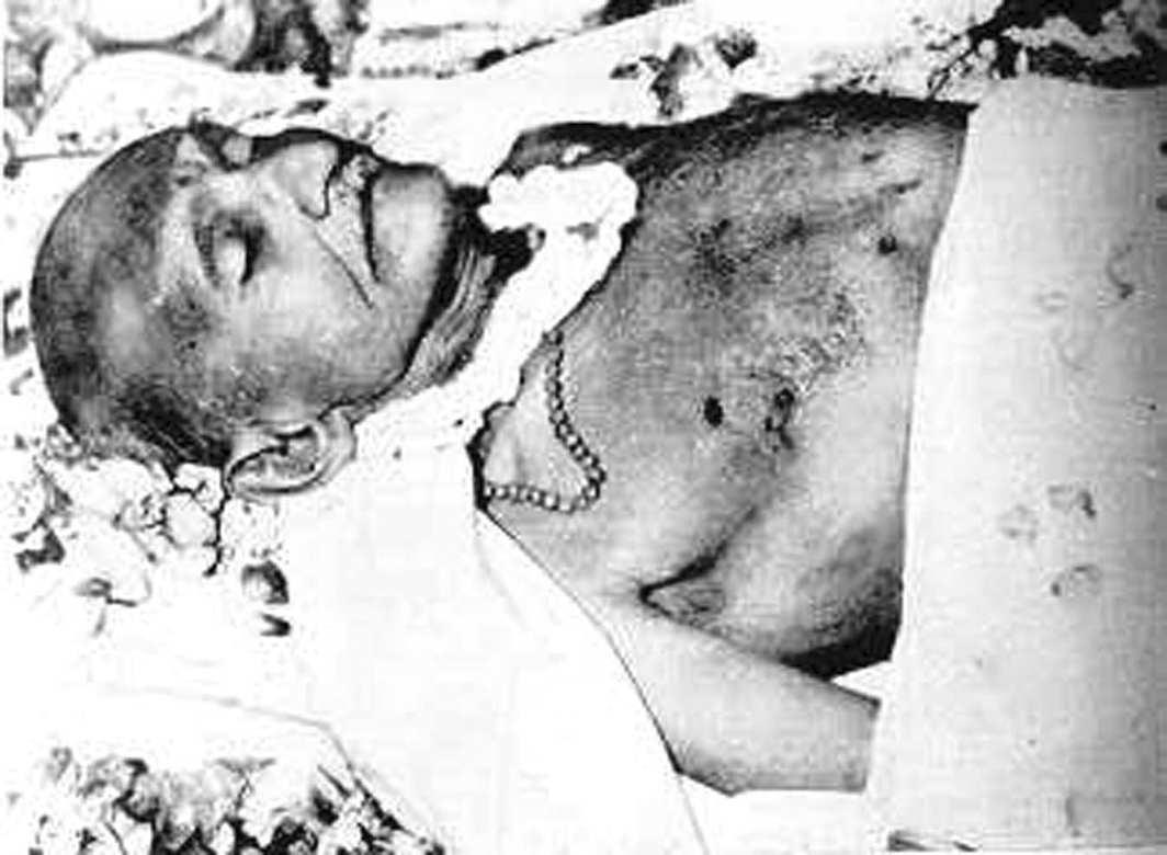 Gandhi-dead