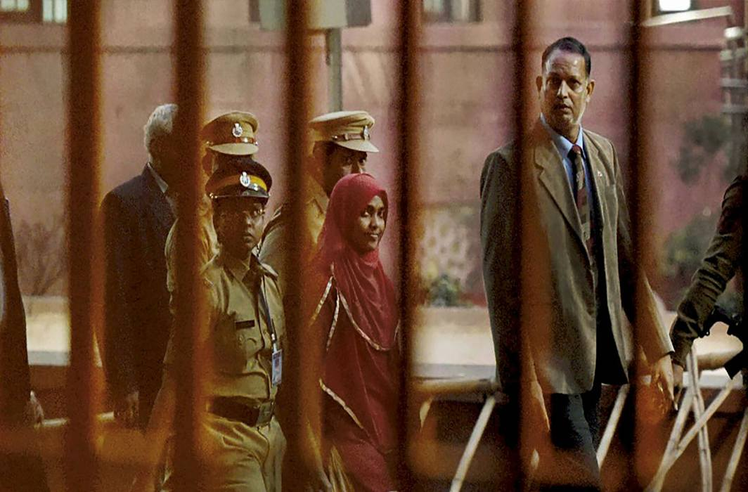 "College principal says Hadiya can't meet husband, she claims ""I am not free"""