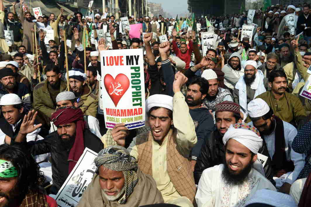 Islamists-Faizabad-protest