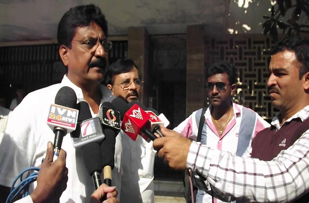Congress candidate against Gujarat CM Vijay Rupani detained in Rajkot