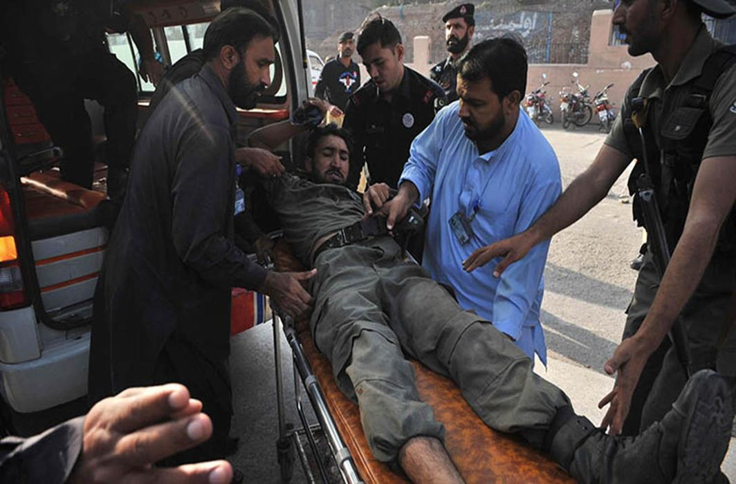 Dressed in burqas, Taliban terrorists enter Peshawar college, kill 11
