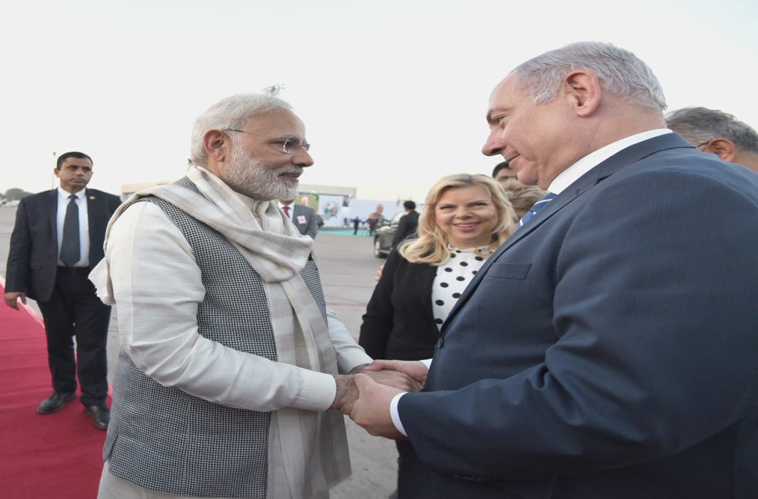 Rousing Welcome To Israeli PM Netanyahu in Gujarat, Praises Modi As Revolutionary