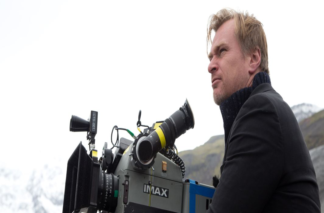 Acclaimed Hollywood director Christopher Nolan to visit India next month, reveals Big B
